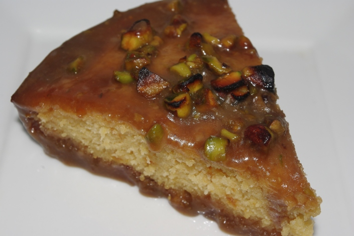 apricot cake with pistachio sticky toffee[1]
